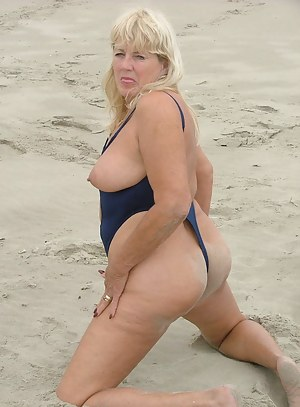 Moms Beach Porn Pictures
