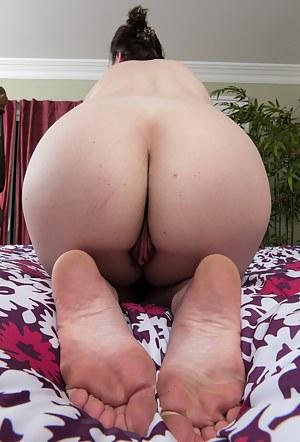 Moms Close Up Porn Pictures