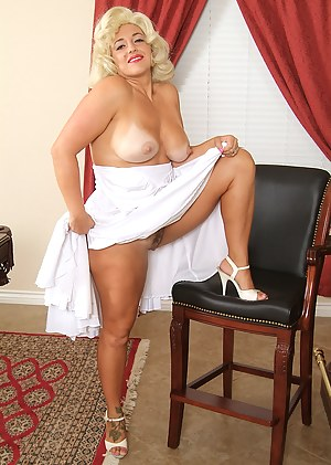 Pinup Moms Porn Pictures